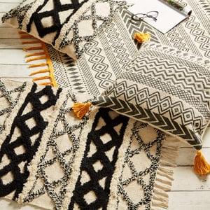 Image of Geometric print, mustard tassel rug