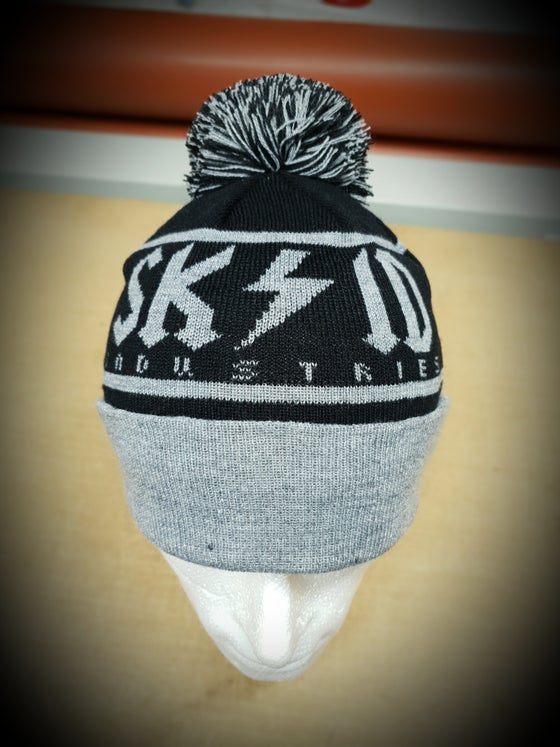 Image of Skid Woven Bobble