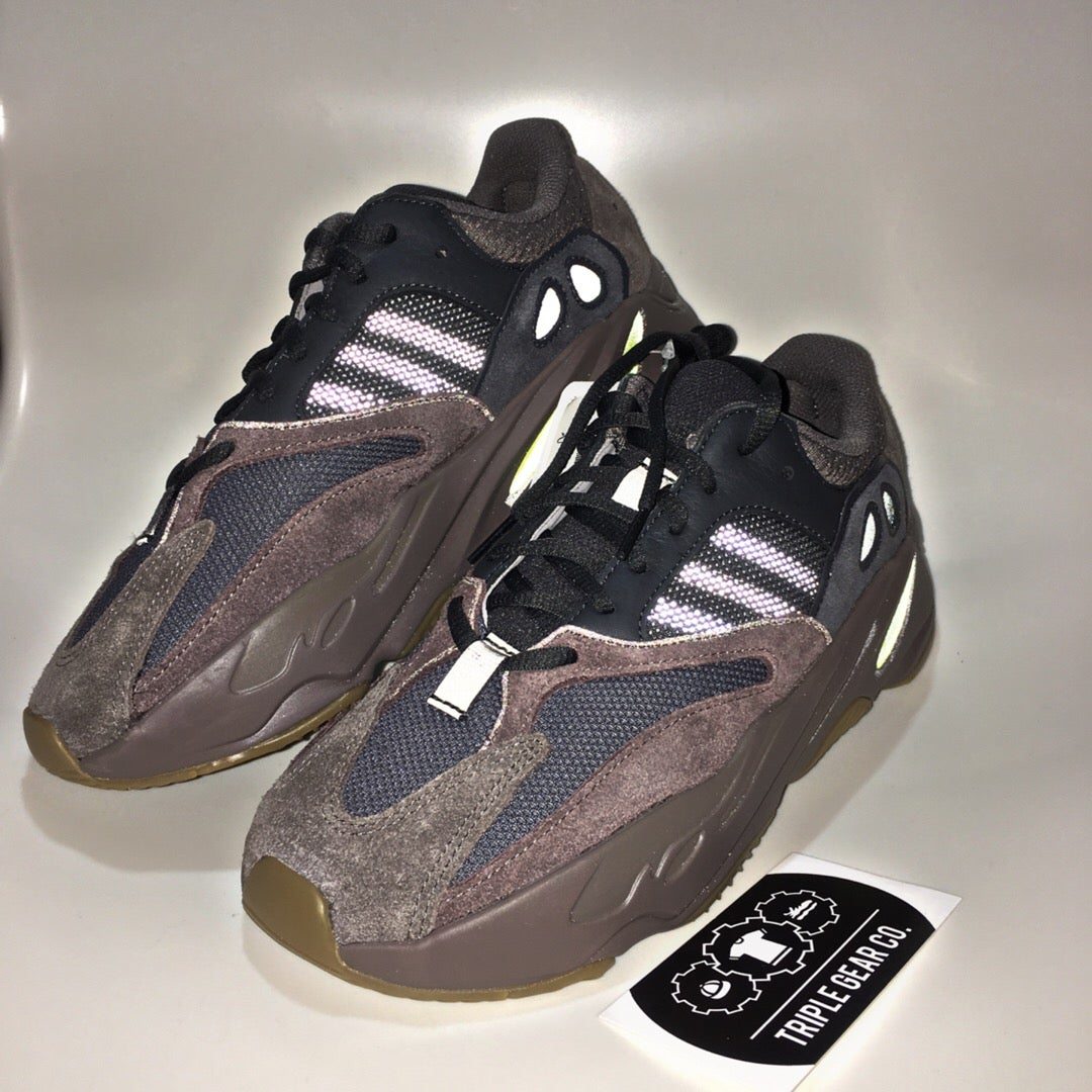 "best loved d4f2b 9ae5d Adidas Yeezy Boost 700 ""Mauve"""