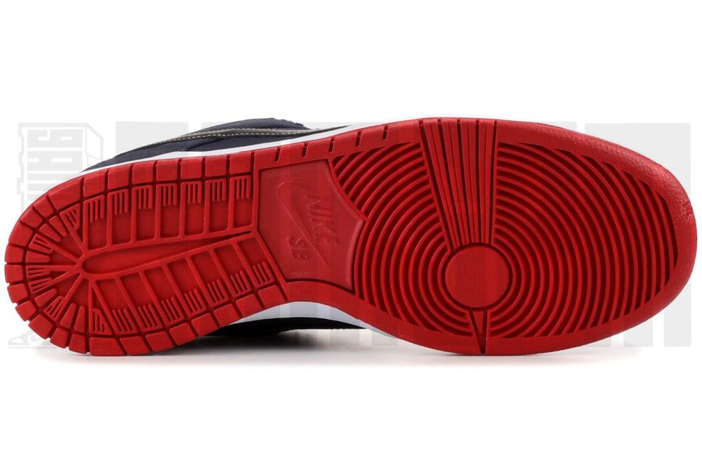 "Image of Nike DUNK LOW PRO PREMIUM SB ""LEVI'S"" HYPERSTRIKE"
