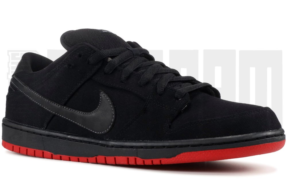 "Image of Nike DUNK LOW PRO PREMIUM SB ""LEVI'S"" QUICKSTRIKE"
