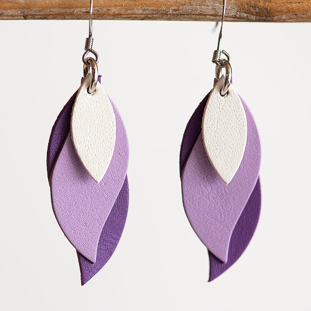 Image of Handmade kangaroo leather leaf earrings - white, lilac, purple [LPP-146]
