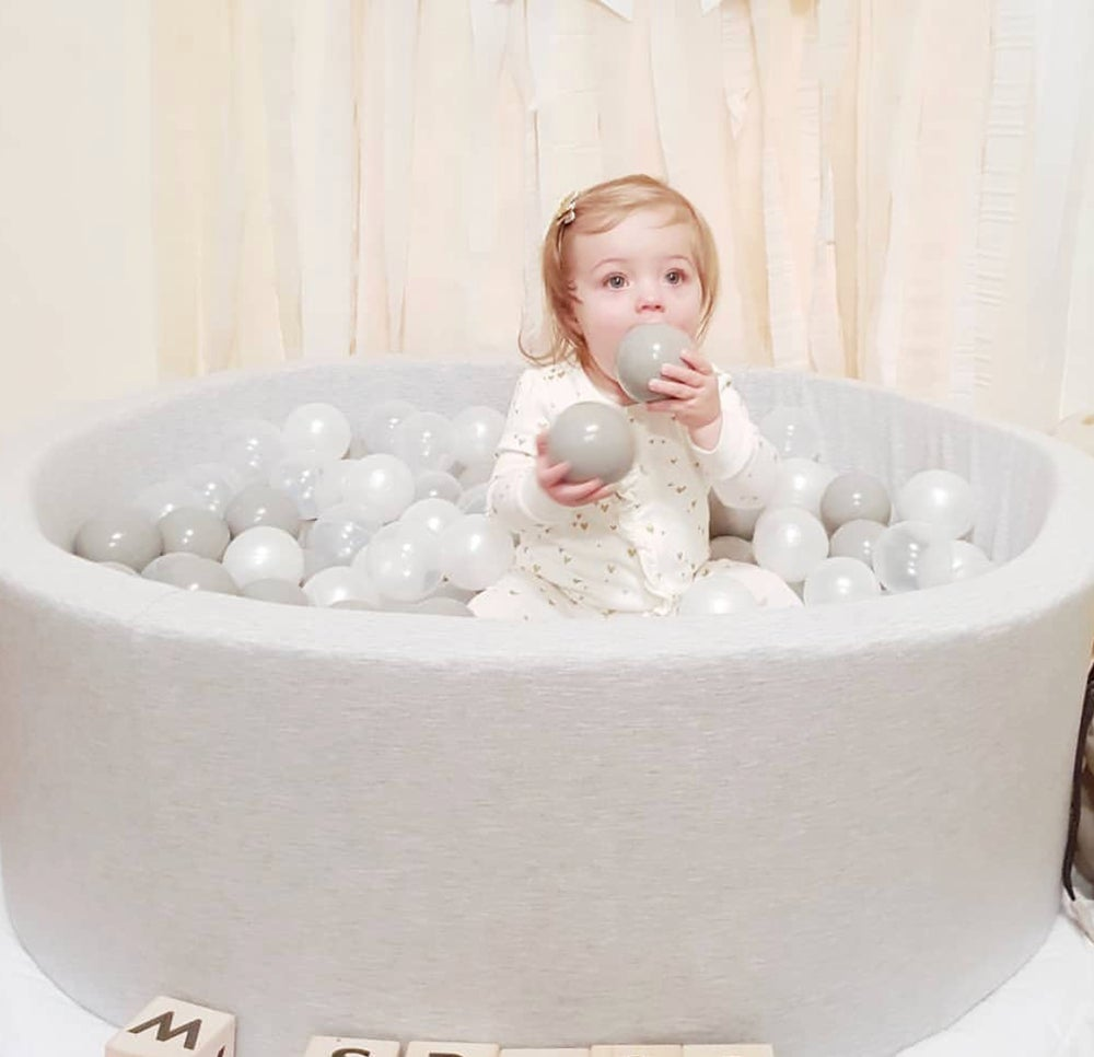 Image of Grey soft ball pit and balls - round 80cm