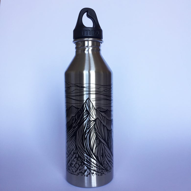 Image of Mizu M8 x RP Roberts water bottle