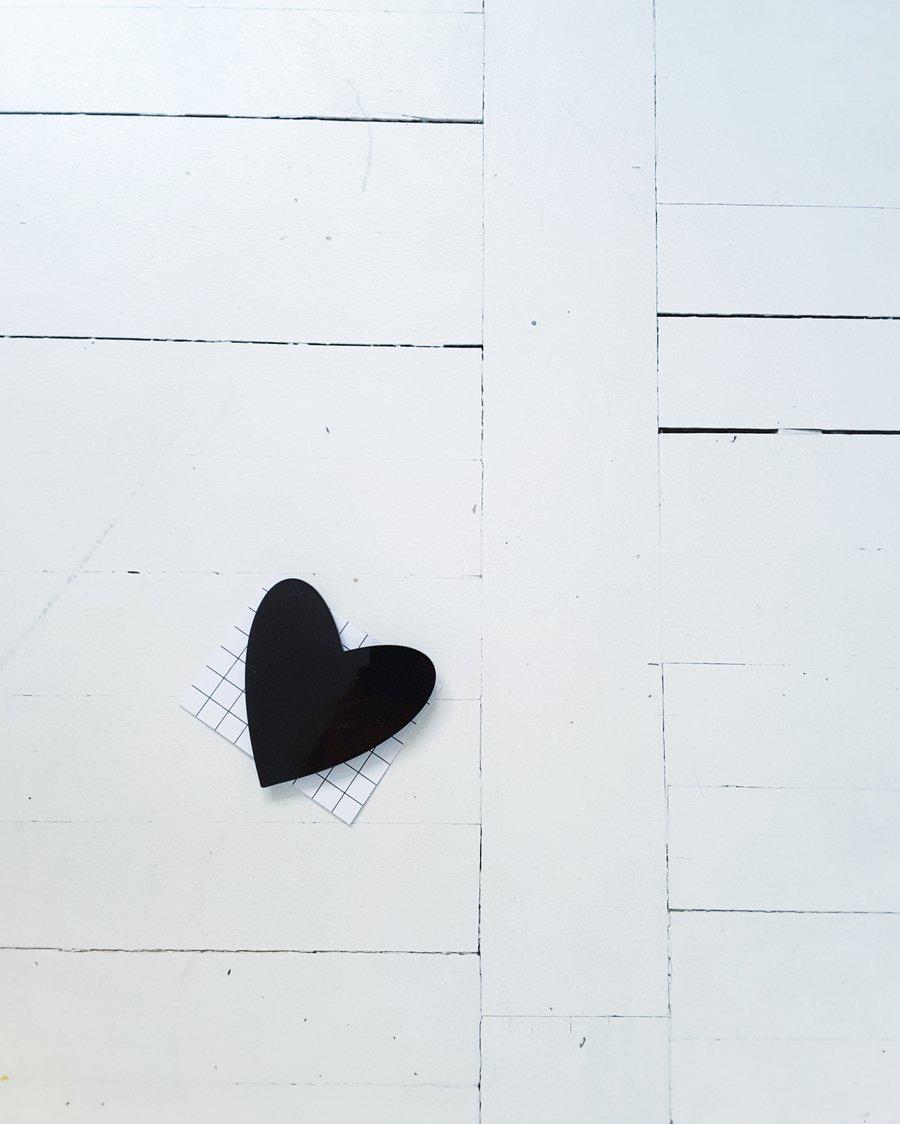 Image of broška SRCE // črna /  brooch HEART // black