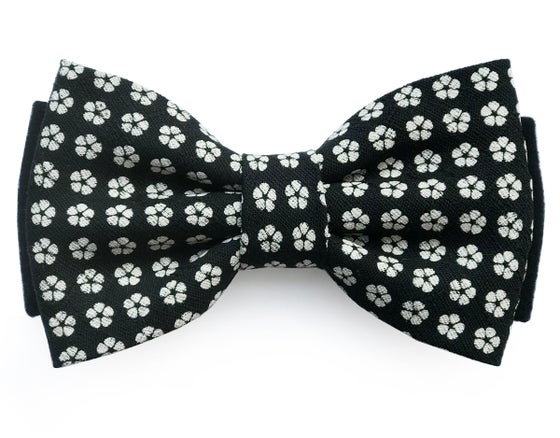 Image of Japanese floral pre-tied-bow tie
