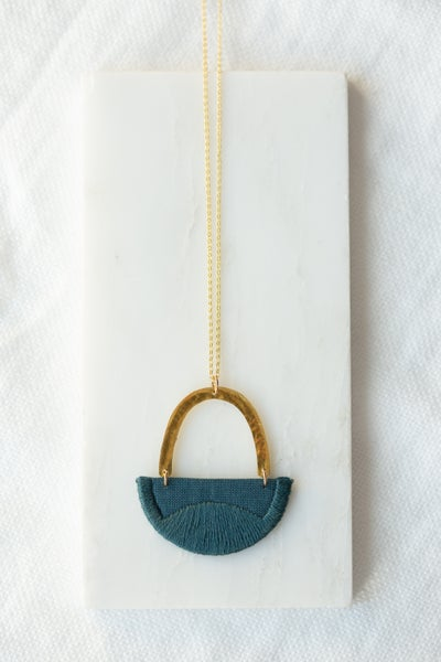 Image of LINNEA necklace in Indigo