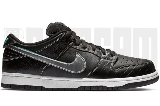 "Image of Nike SB DUNK LOW PRO OG QS ""DIAMOND"" BLACK"
