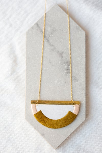 Image of CRAVEN necklace in Olive and Blush