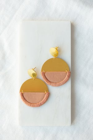 Image of LUNA round earring in Rose
