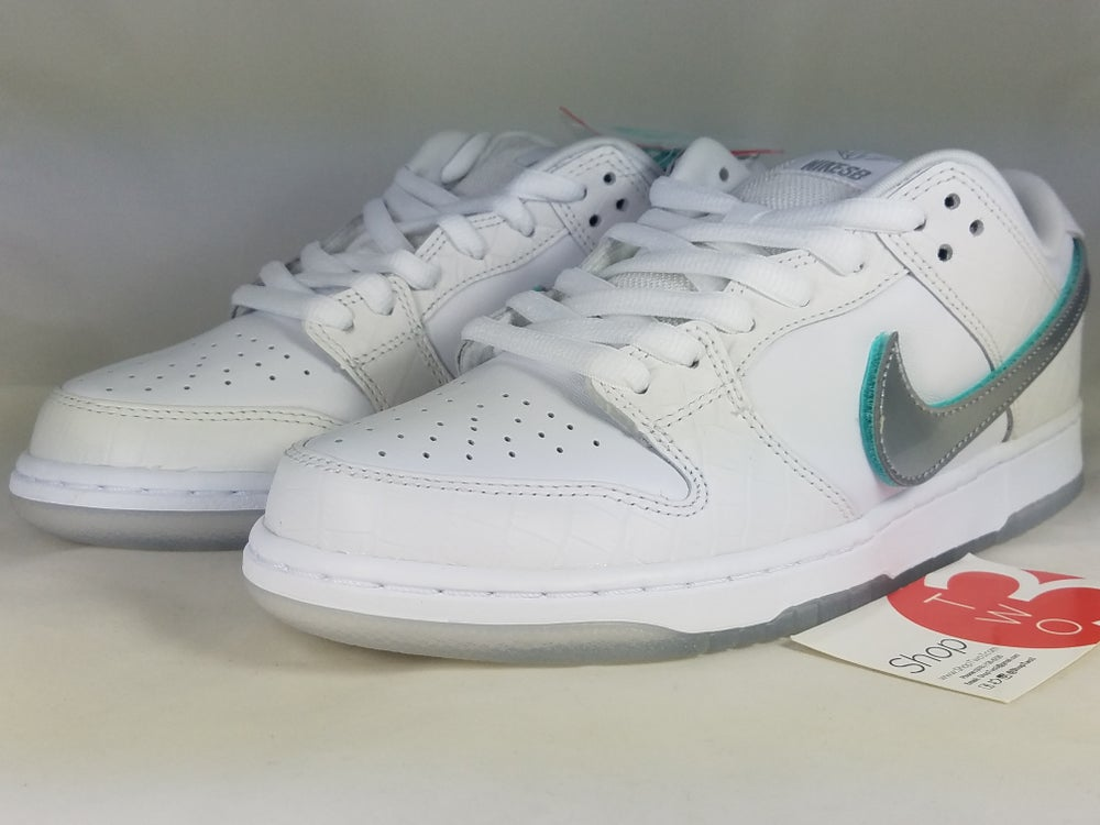 Image of Diamond x Nike SB Low White