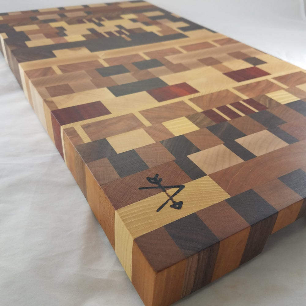 Image of END-GRAIN CUTTING BOARD - THE DEVIL'S CUT (DEG001)
