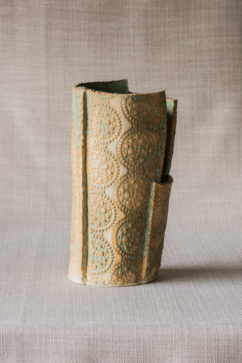 Image of TEXTURE RUSTIC GREEN VASE