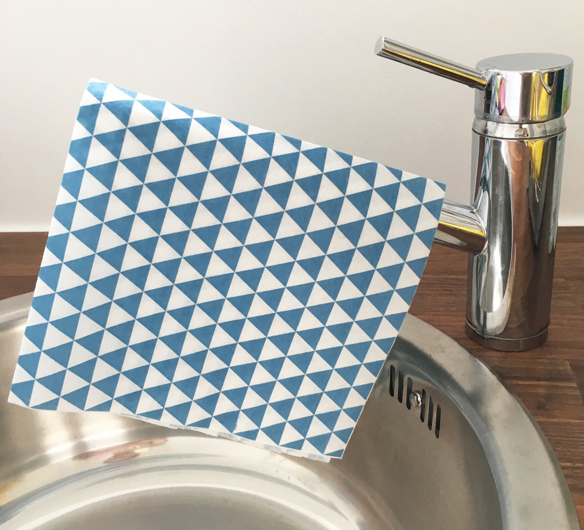 Image of Sustainable Blue-Triangle Ultra Absorbent Cloths - 24 cloths