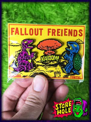 Fallout Freiends 3 pin set
