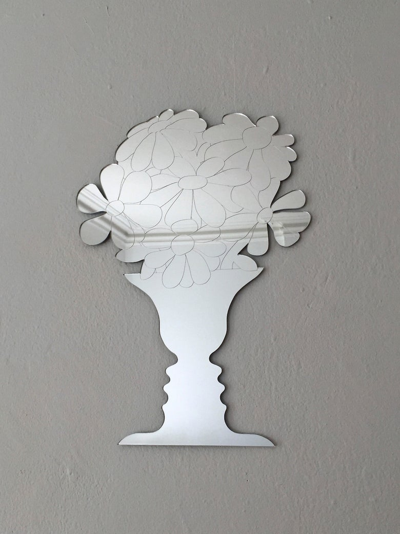 Image of FACE VASE mirror