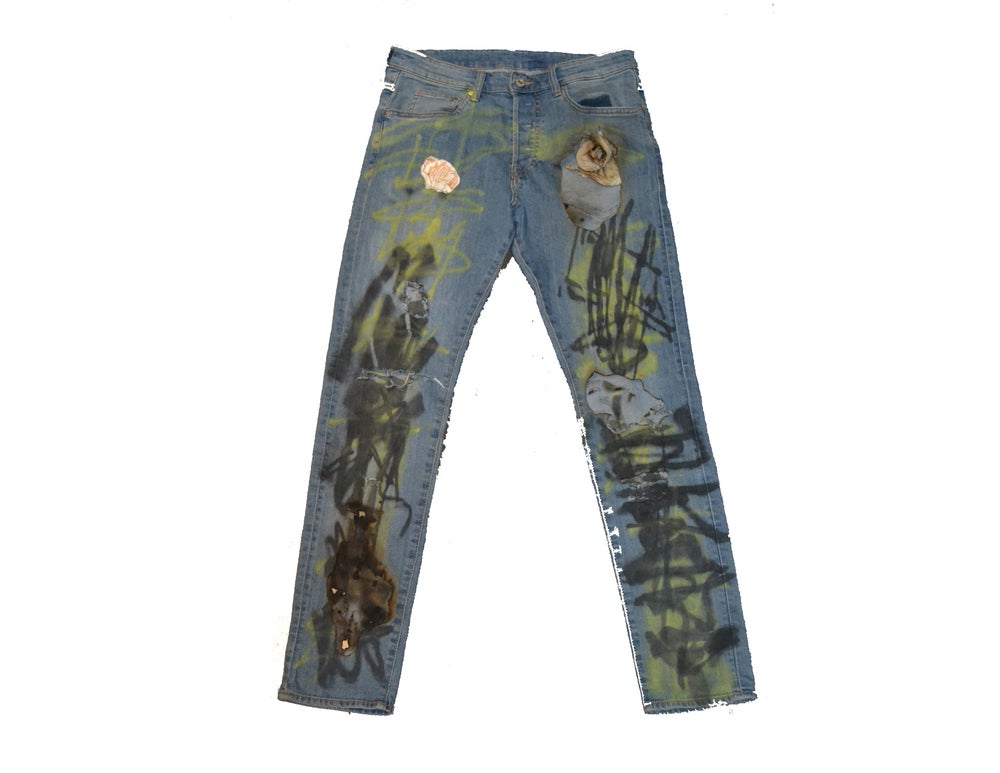 "Image of ""THRASHED"" - JEANS (STRAIGHT LEG)"