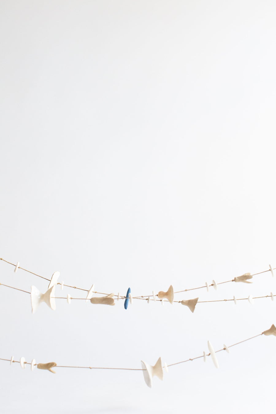 Image of Porcelain Stoneware Garlands - Classic White and tan