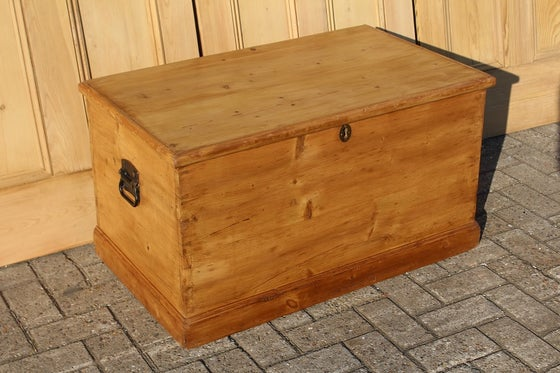 Image of Classic Victorian Blanket Box