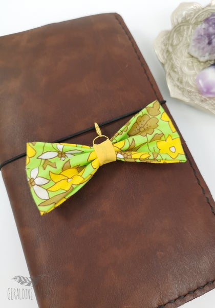 Image of Green Floral Bow