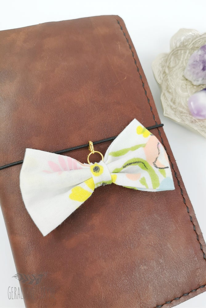 Image of White/floral fabric bow
