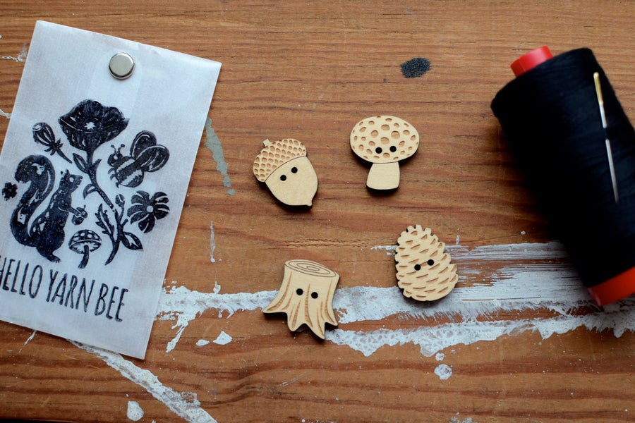 """Image of """"Woodland"""" Maple Buttons by Hello Yarn Bee - Large"""