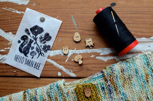 """Image of """"Woodland"""" Maple Buttons by Hello Yarn Bee - Small"""