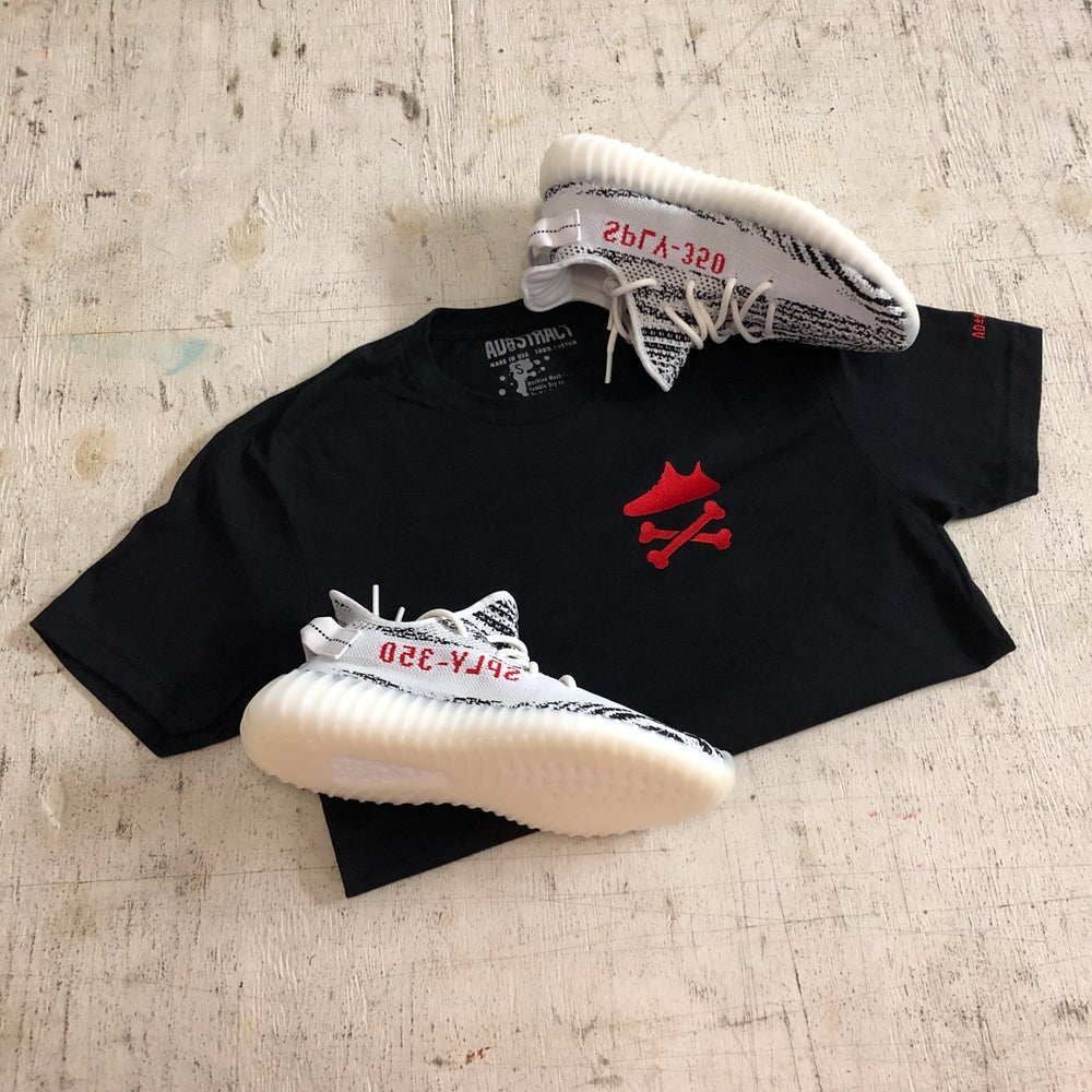 """YEEZY CROSSBONES EMBROIDERY """"RED"""" T-SHIRT"""