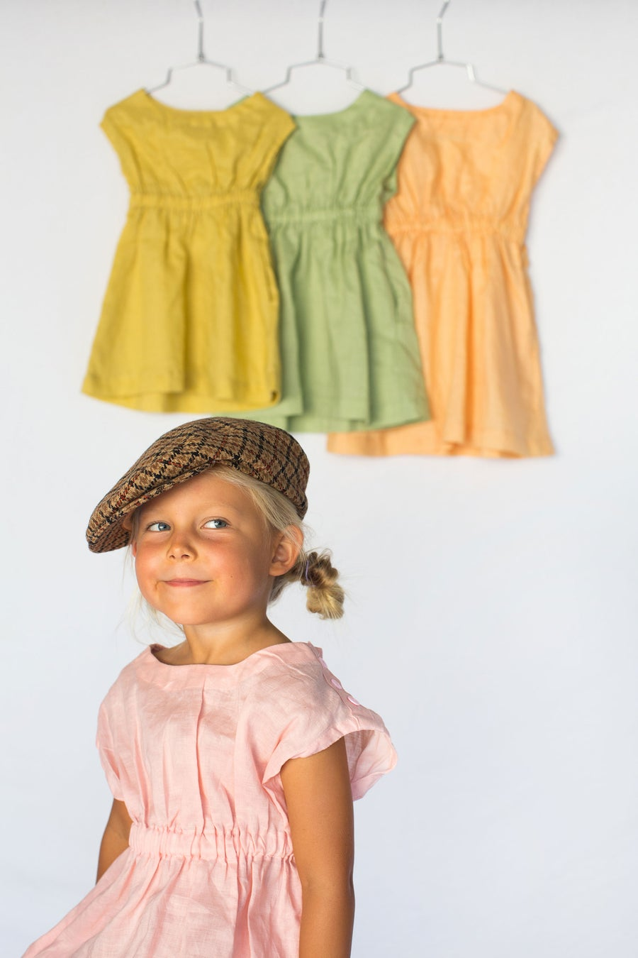 Image of Vintage Lola Linen Dress - Rhubarb