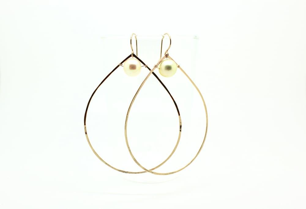 Image of LYNDA south sea earrings