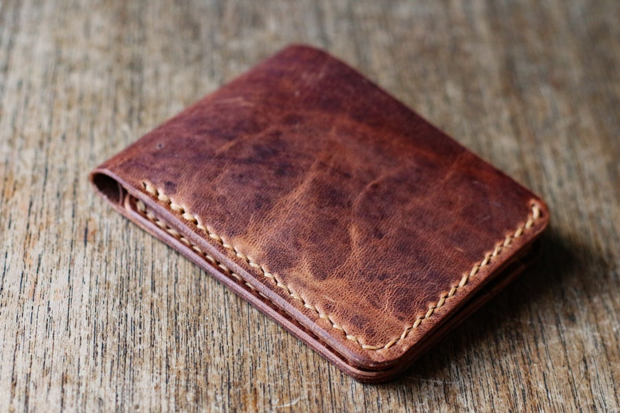 Image of Traditional Bifold in English Tan