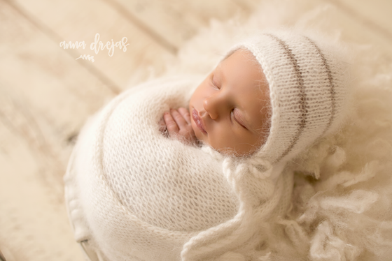 "Image of 100% Angora wrap 60"" +bonnet"