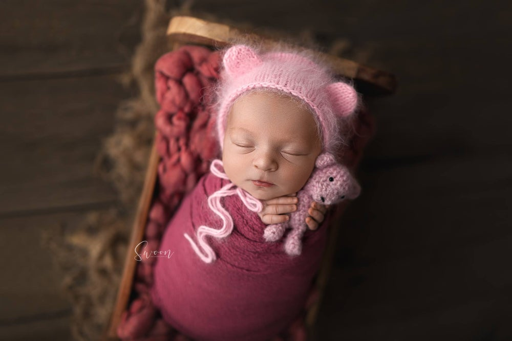 Image of Newborn Session *RETAINER*