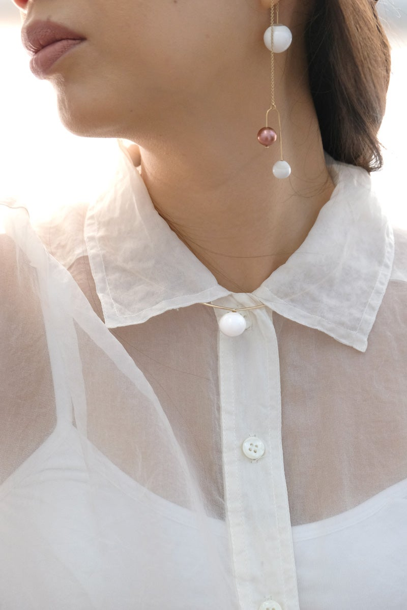 Image of pearl swing earring