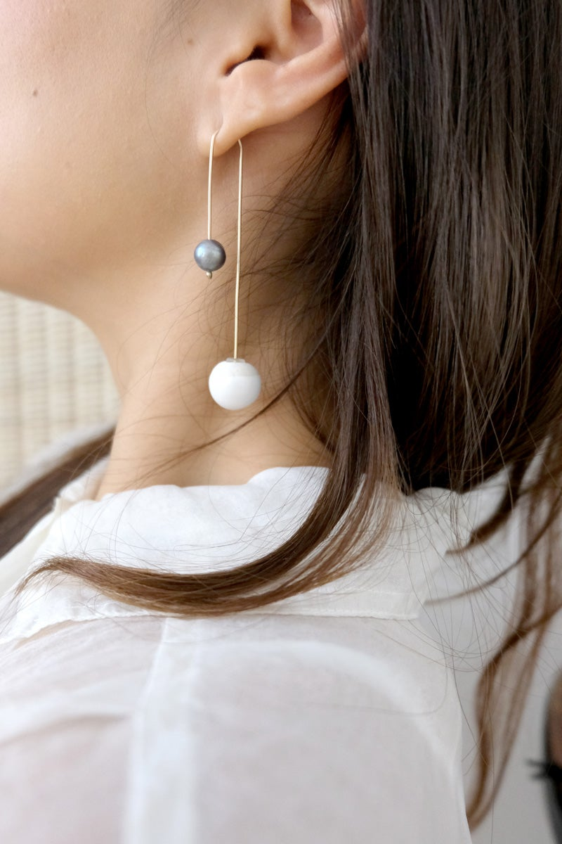 Image of pearl post earring