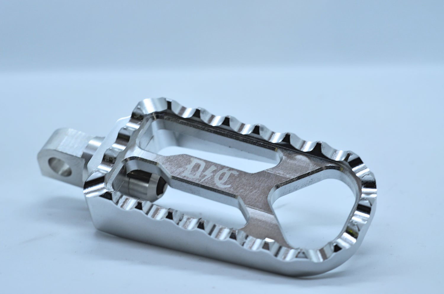 Image of Dynamite Crew MX M8 front Pegs