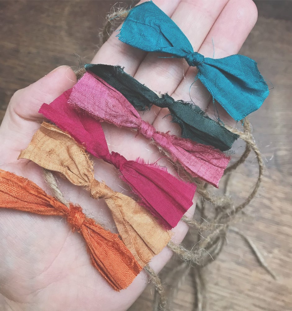 Image of Set of Rustic Bows in Deep Colours