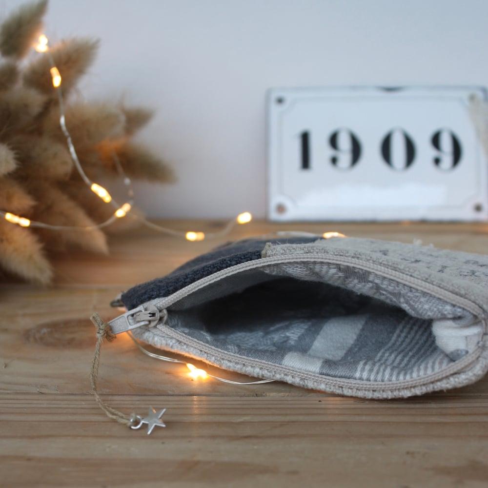 Image of Petite pochette/porte monnaie en toile postale et chanvre.