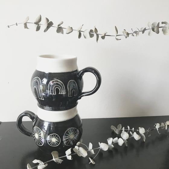 Image of cauldron mug set