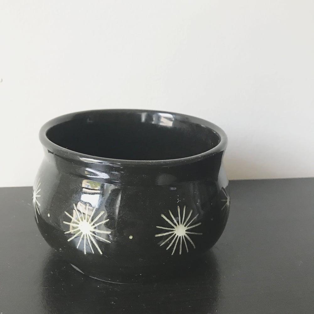 Image of cauldron planter