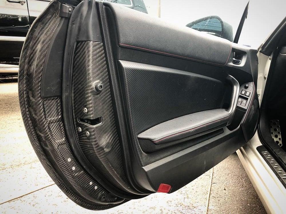 Image of FRS/BRZ/GT86 dry carbon doors