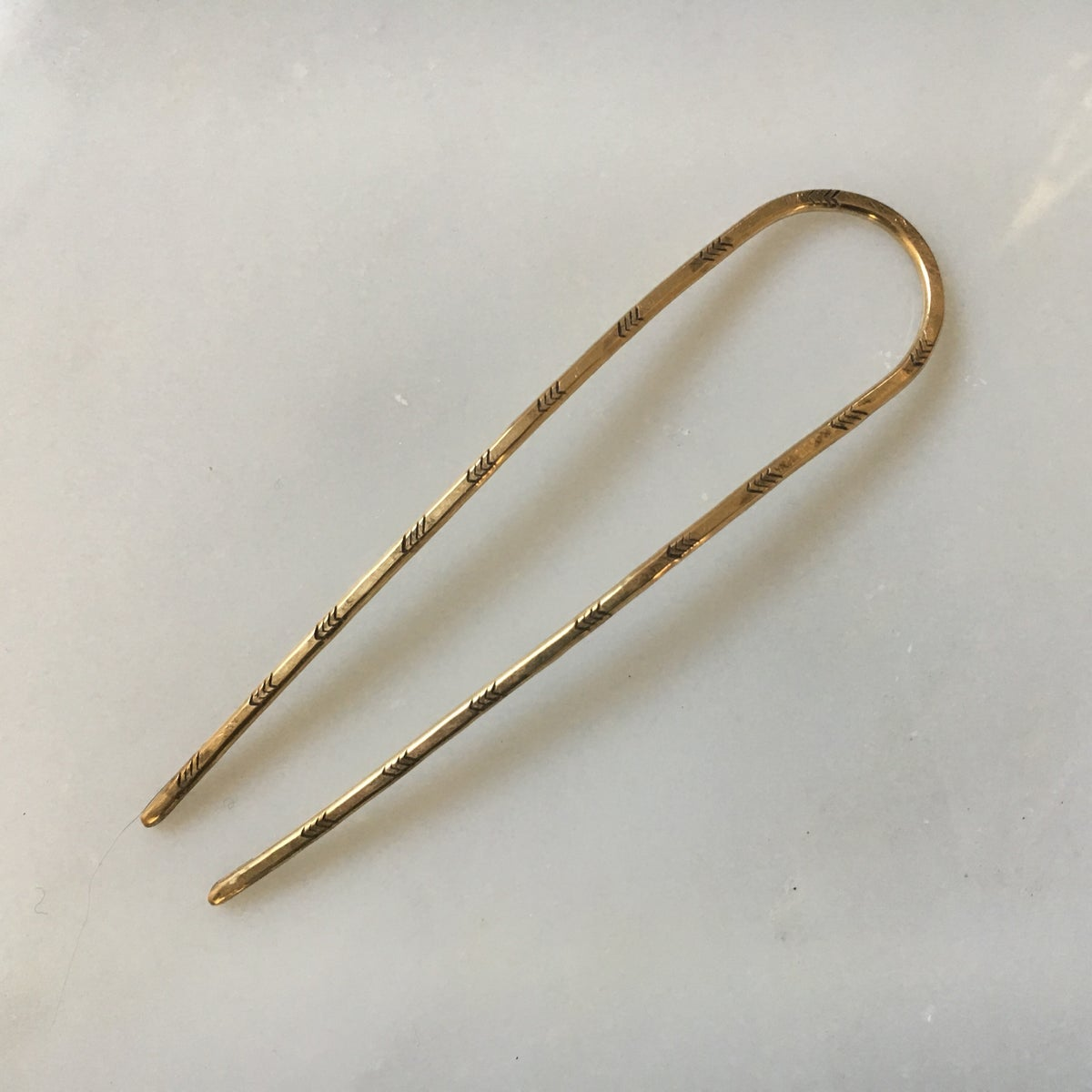 Image of  stamped arc hairpin