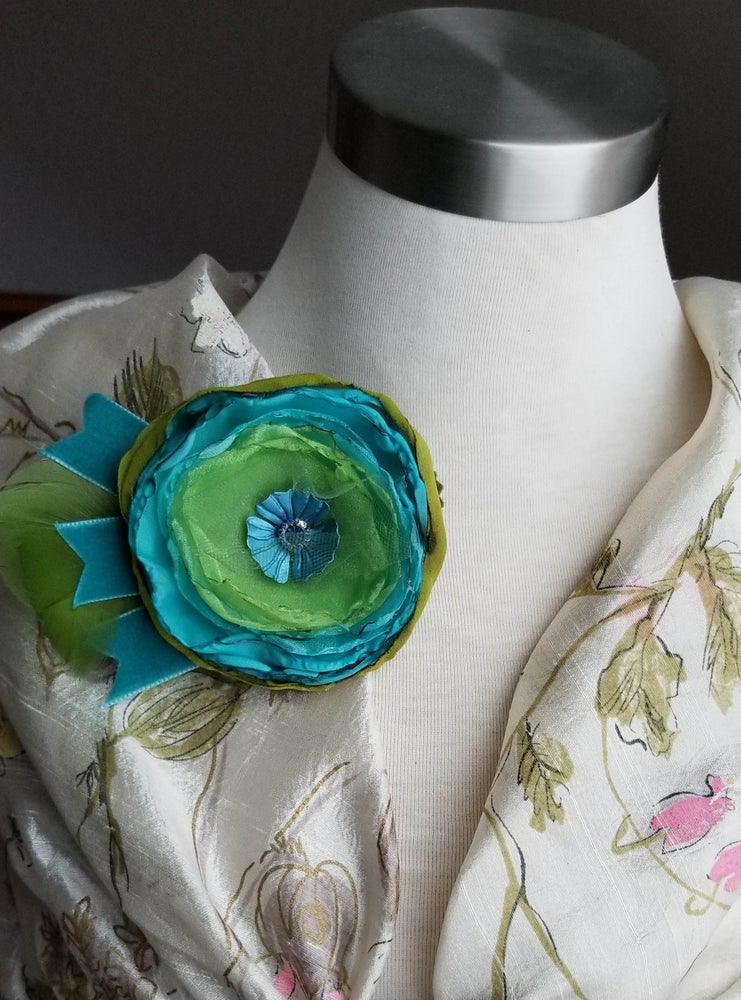 Image of Parrot's Paradise Floral Brooch