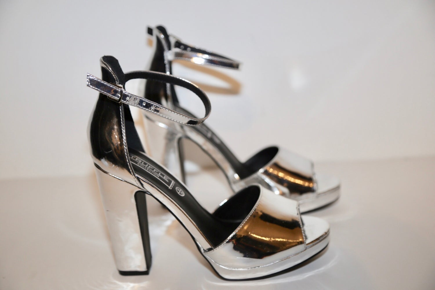 52289a63693 Image of TRUFFLE COLLECTION PLATFORM SHOES