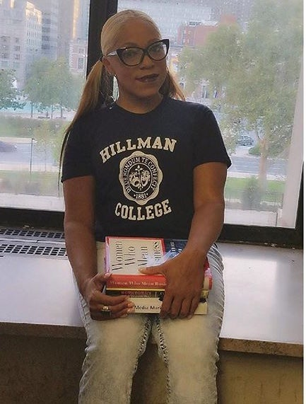 "Image of The ""Hillman College"" Tee"