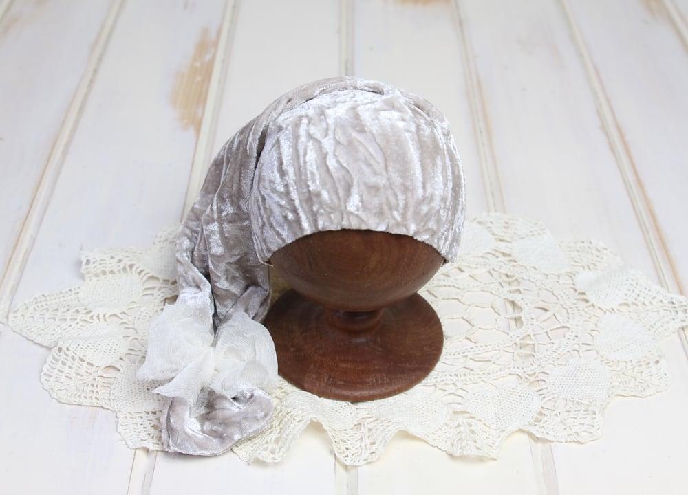 Image of Newborn Velvet Night Cap with Crinkle Silk Bow