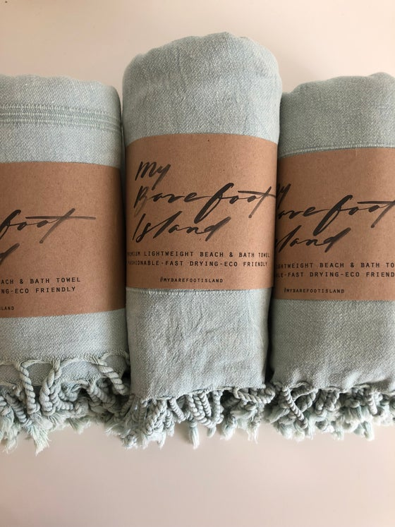 Image of 3 MINT TOWELS
