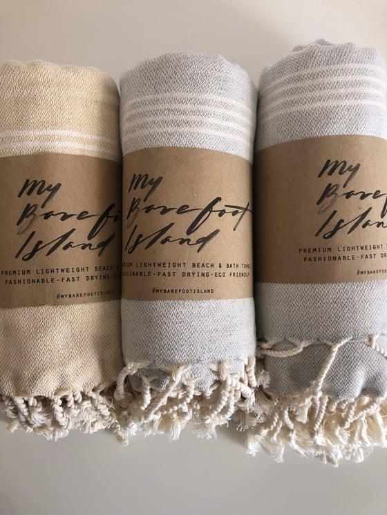 Image of 3 GREY-BEIGE TOWELS