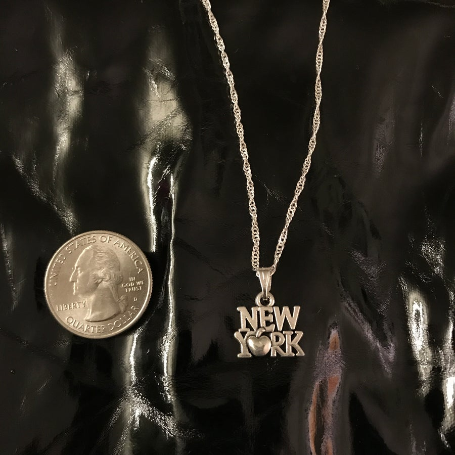 Image of new york pendant on the twisty chain