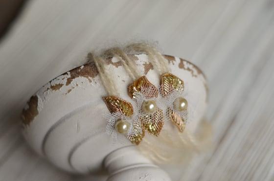 Image of Frozen beautie (gold)